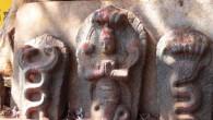 नाग पंचमी श्रावन महिन्यातली पाचव्या दिवशी केलि जाते. या दिवशी नाग देवतेची पूजा केली जाते. पूर्वीच्या कड़ी अस समाजाल जात होत की पूर्ण जग हे नाग देवतेचा डोक्यावर सामावलेल आहे....