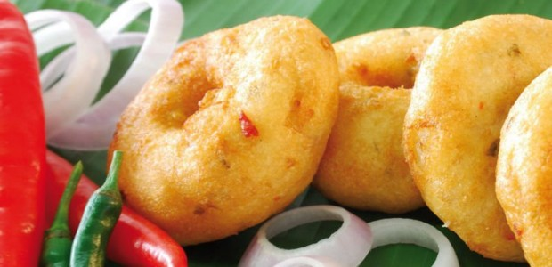 Soyabinche Wade : Vadas are a traditional South Indian dish which can be served as a main course, side dish, or snack. Learn how to make Soyabin Dal Vadas at...