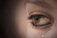 तिच्या डोळ्यांतील अश्रु जेव्हा ……… आपल्या डोळ्यांतुन ओघळतातं …. ते प्रेम असतं ……. तुमच्या चेह-यावरील हसु जेव्हा ….. तिच्या गालावरील खळीतुन खुलतं ….. ते प्रेम असतं ……. जेव्हा तिच्या आठवणीच...
