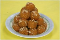 Gul Papdi Laddu Golpapdi laddu is a sweet dish made from whole wheat flour typically prepared during auspicious occasions. It is perfect for those days when you have unexpected guests,...