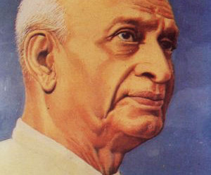 Sardar vallabhbhai patel biography in marathi