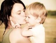 स्मृती म्हणते कि मातेचे पद सर्वात श्रेष्ठ आहे, माता कधीही आपल्या अपत्याचे अहित चिंतीत नाही. कुपुत्रो जायेत क्वचिदपि कुमाता न भवती। पुत्र कुपुत्र होऊ शकेल परंतु माता कधीच कुमाता होत...