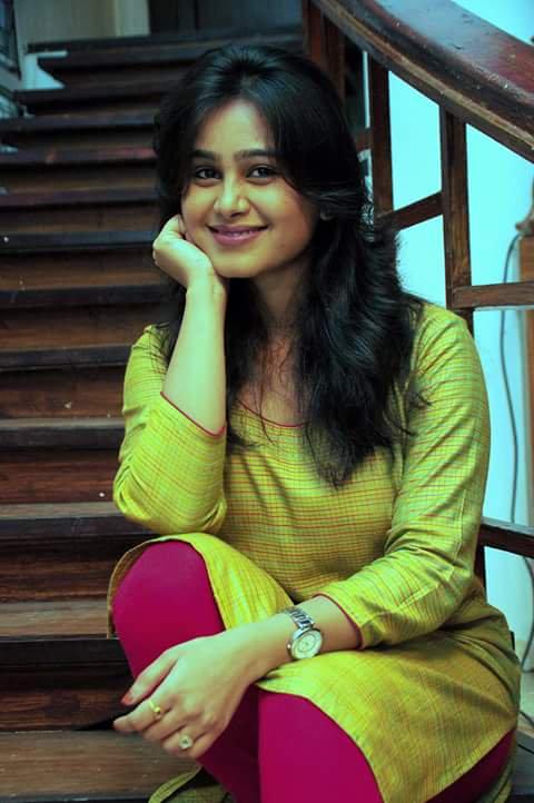 Mrunal dusanis popular daily soap marathi actress mrunal dusanis thecheapjerseys Images